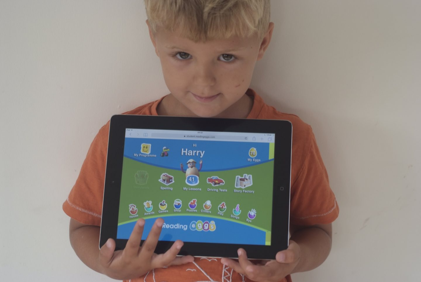 MAKING PHONICS FUN WITH READING EGGS – REVIEW + FREE 5 WEEK TRIAL